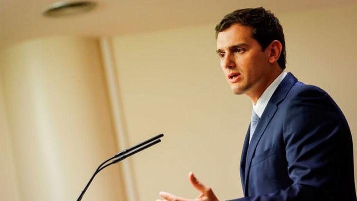 """Rivera reconoce que ha hecho una campaña con """"menos errores"""" que en diciembre"""