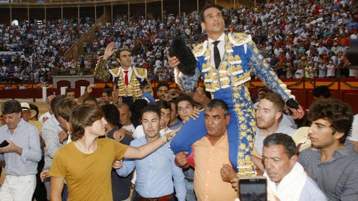 José Tomás y Manzanares comparten la gloria en una gran tarde en Alicante