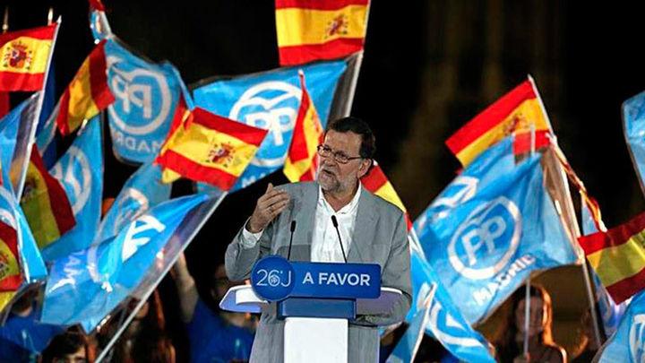 Rajoy pide a los moderados del PSOE y C's unir esfuerzos para frenar a Podemos