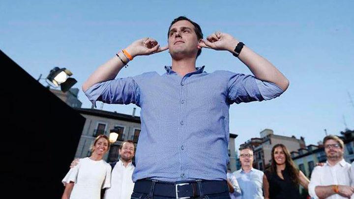 """Rivera pide a los votantes que conviertan a Ciudadanos en """"la llave del cambio"""""""