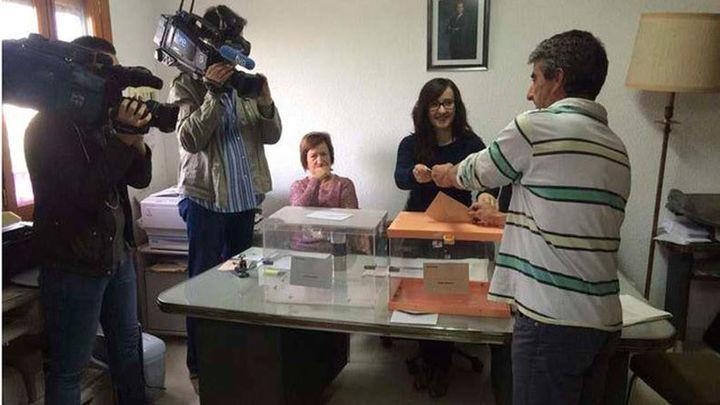 Villarroya cierra sus  urnas a las 09,02 minutos