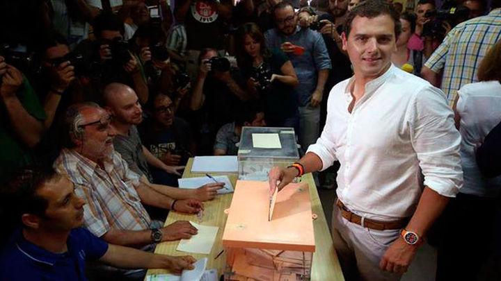 Rivera llama a votar para evitar una España de extremos