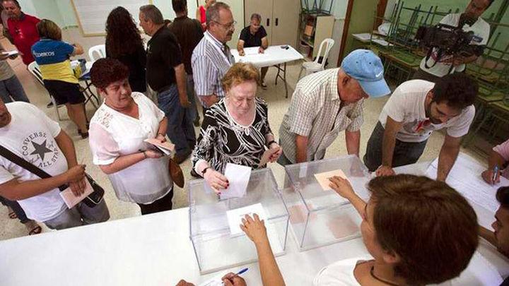 Los líderes llaman a votar en una jornada que transcurre con normalidad