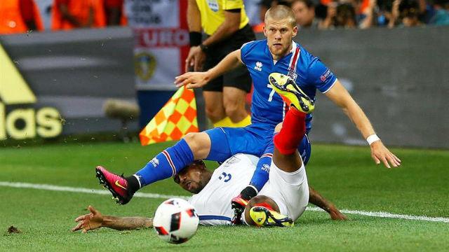 Inglaterra, 1 - Islandia, 2