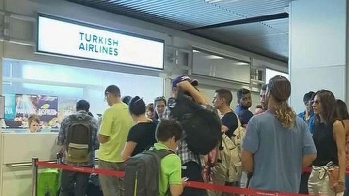 Retrasos y cancelaciones en los vuelos entre Madrid y Estambul, tras los atentados