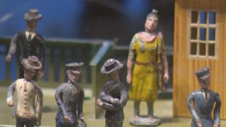 Los juguetes hablan alemán en el Museo del Traje