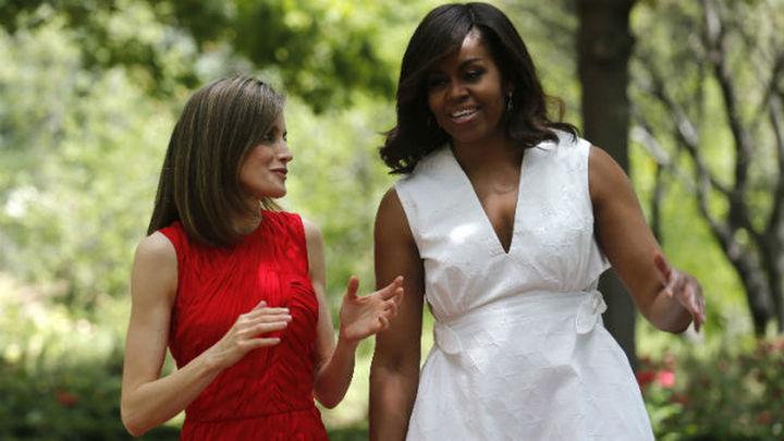 La Reina defiende ante Michelle Obama el acceso de las niñas a la educación