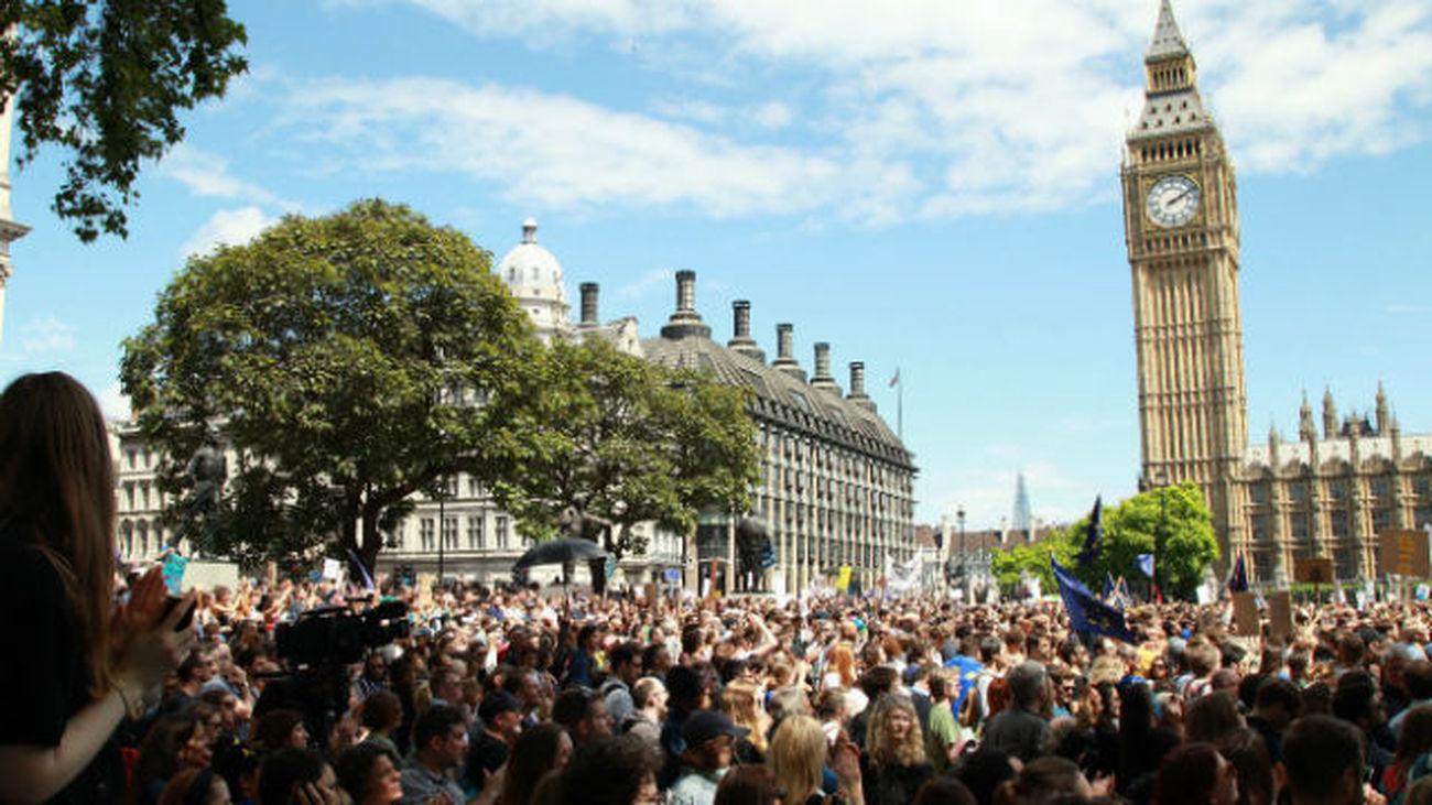 """Miles de manifestantes protestan en Londres contra el """"brexit"""""""