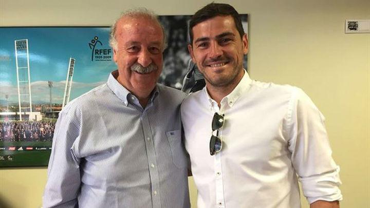 """Casillas se reconcilia con Del Bosque: """"¡25 años juntos y los que nos quedan!"""