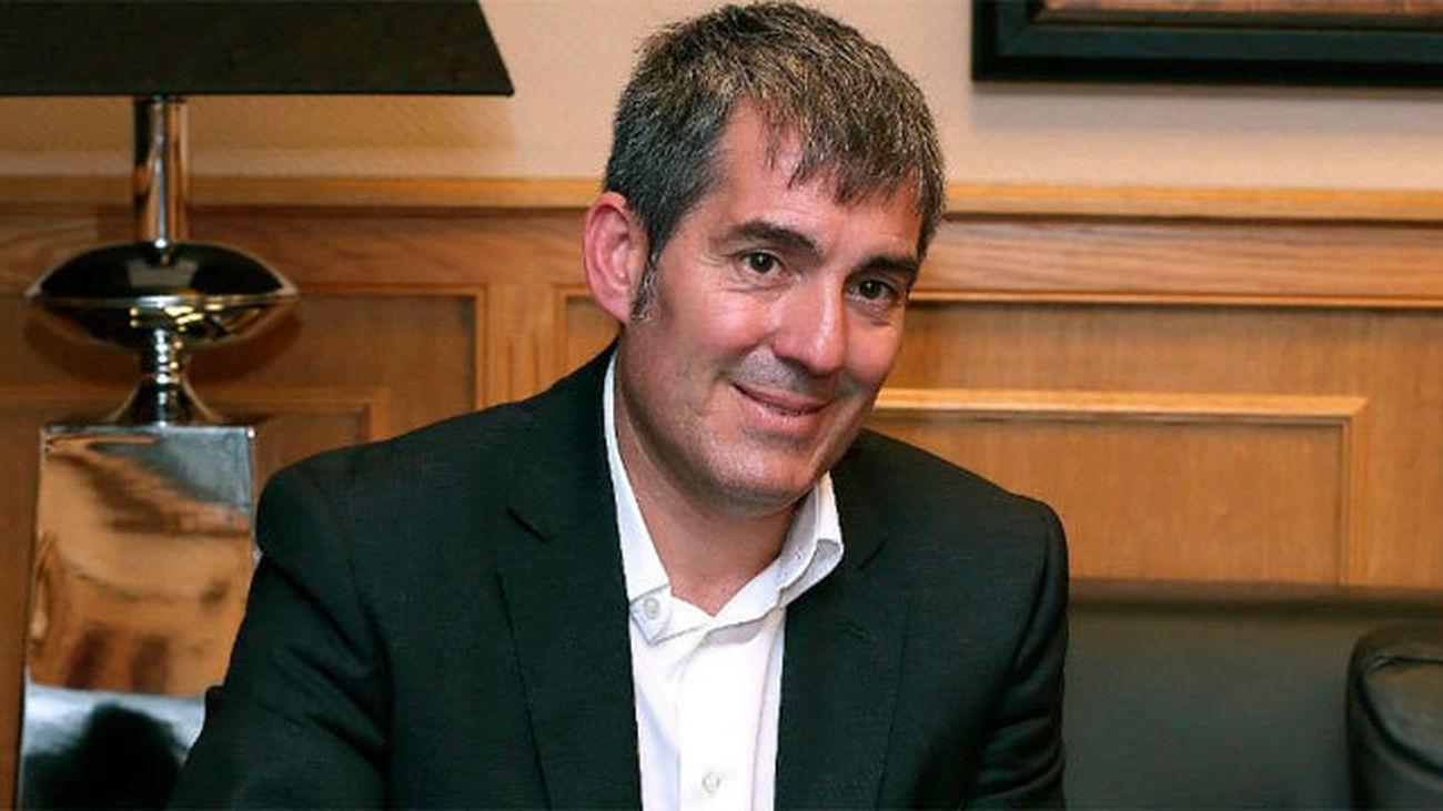 Fernando Clavijo asegura que apostará por la estabilidad en su reunión con Rajoy