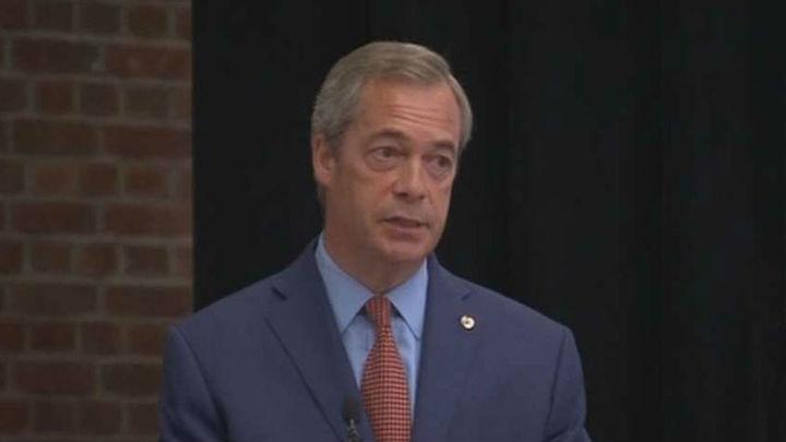 Dimite Nigel Farage, líder del UKIP y destacado partidario del 'brexit'