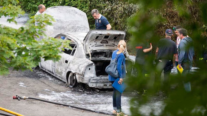 Encuentran un cadáver dentro de un vehículo calcinado en un pantano de Álava