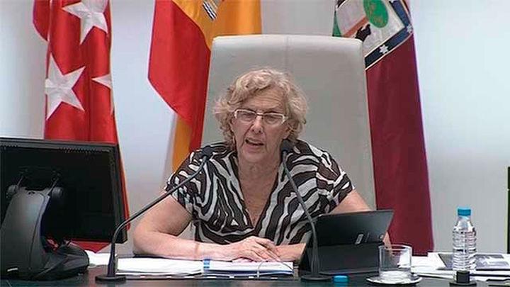 """Carmena, """"orgullosa"""" del cambio, niega las acusaciones de paralizar la ciudad"""