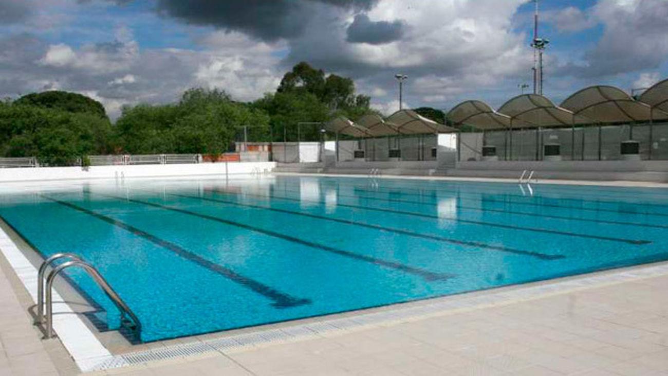 Carmena plantea a los distritos celebrar el día sin bañador en las piscinas