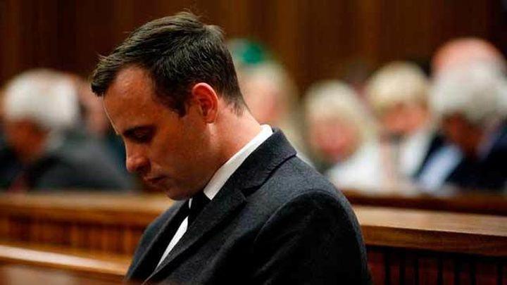 Pistorius, condenado a seis años de cárcel por el asesinato de su novia