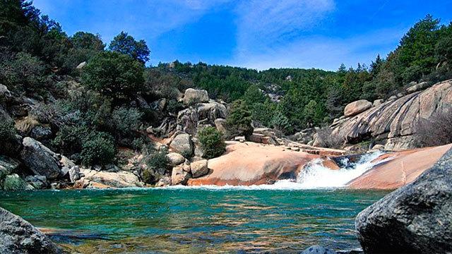 La comunidad intensifica la vigilancia para evitar los for Las mejores piscinas naturales de madrid