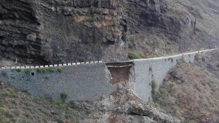 Rescatadas 174 personas tras el derrumbe de parte de una carretera en Tenerife