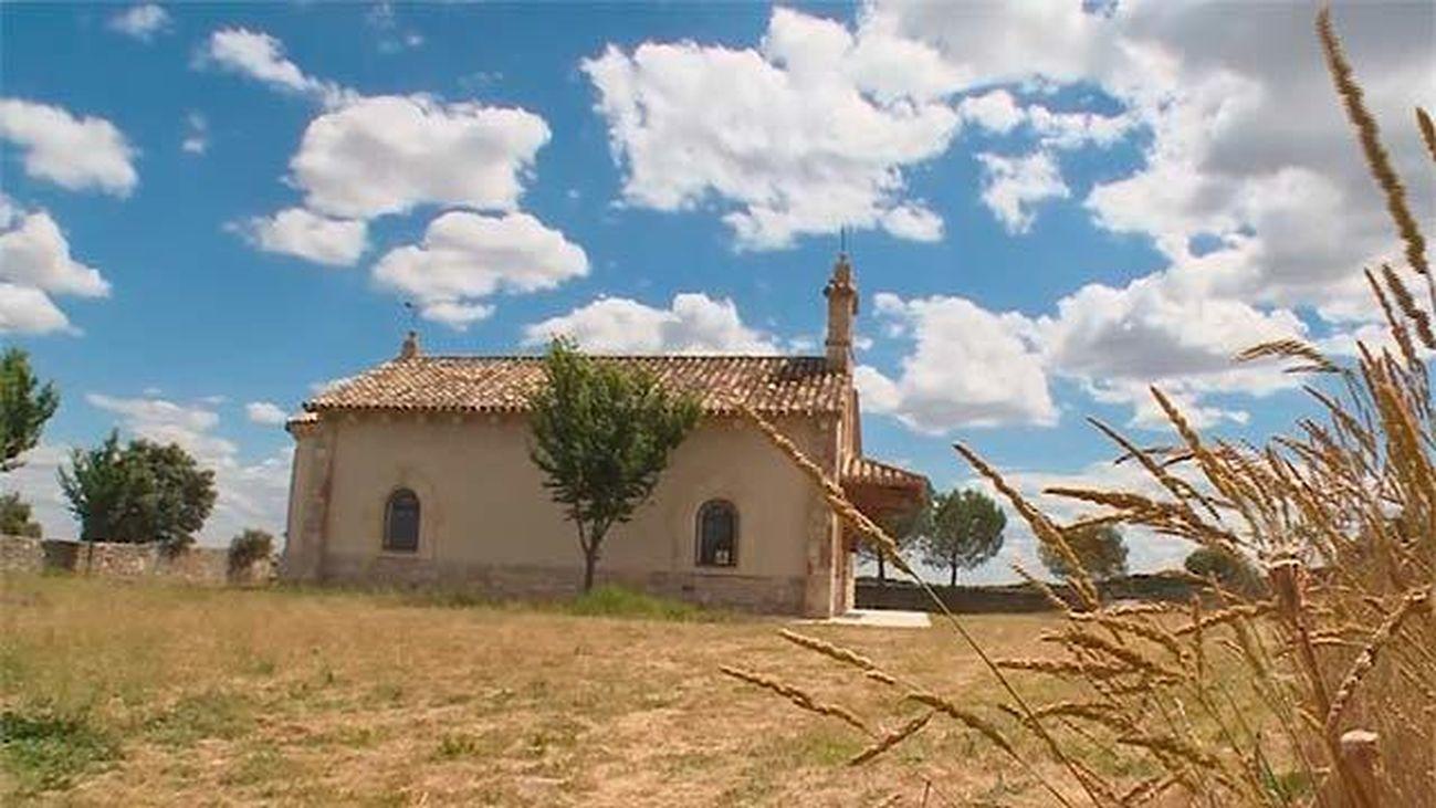 San Agustín de Guadalix: La Virgen de Navalazarza preside la dehesa de Moncalvillo