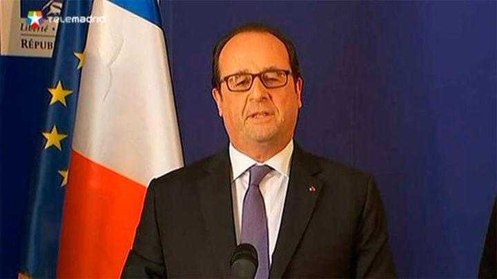 """Hollande: Hay """"muchos niños"""" y """"muchos extranjeros"""" entre las víctimas"""
