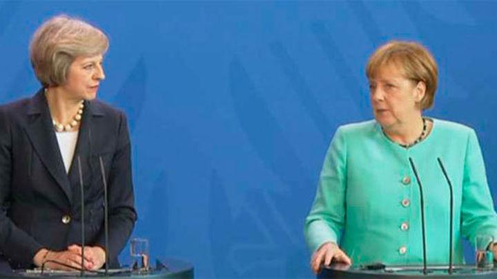 May dice que no activará la salida del Reino Unido de la UE antes de fin de año