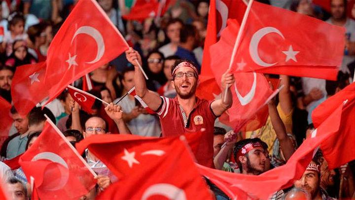 Anuncian 'importantes' decisiones de Turquía relacionadas con el golpe fallido