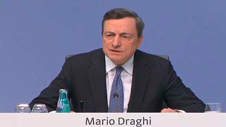 """Draghi: Persisten las """"incertidumbres"""" y es necesario mantener los estímulos"""