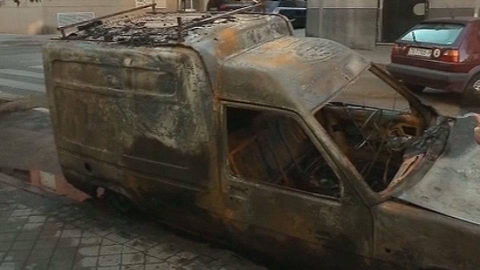 Furgonetas quemadas en Entrevías
