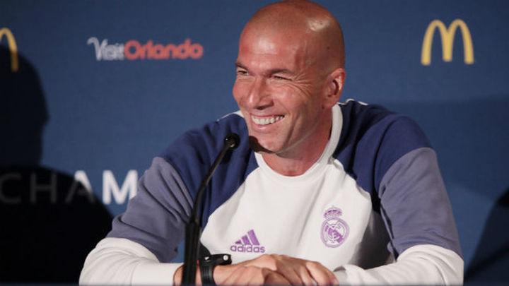 "Zidane: ""James se va a quedar en el Real Madrid"""