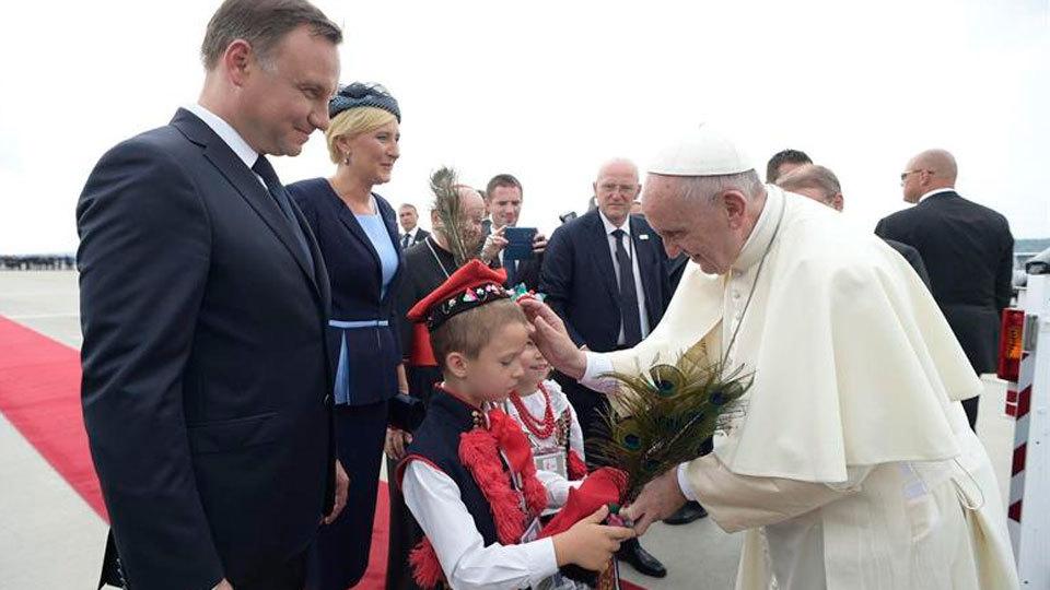 El Papa Francisco llega a Cracovia para la JMJ 2016