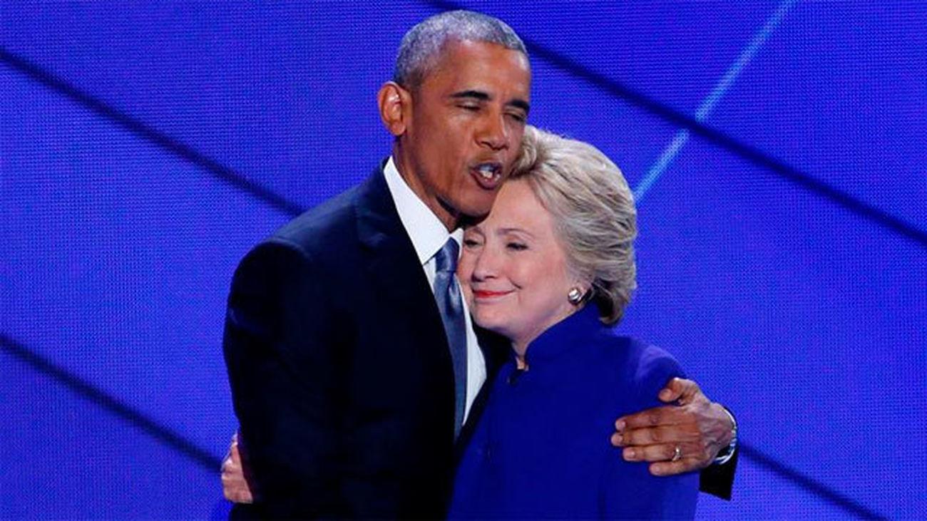 Barack Obama arropa a Hillary Clinton como la candidata de la esperanza