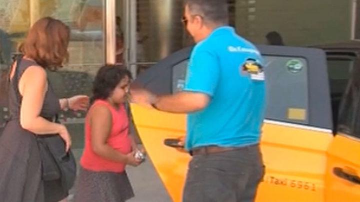 Taxistas solidarios acompañan a niños al hospital sin cobrar