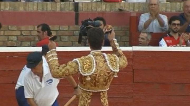 Éxtasis de José Tomás en Huelva, a hombros con López Simón y David de Miranda