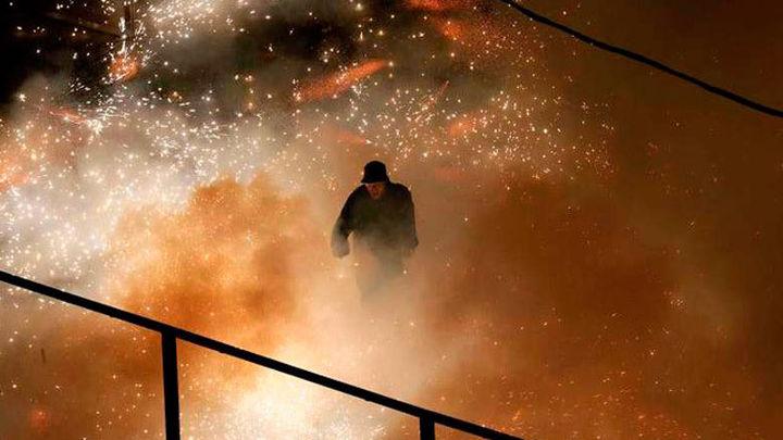 El espectáculo pirotécnico Nit de l'Albà (Elche) acaba con 46 heridos leves