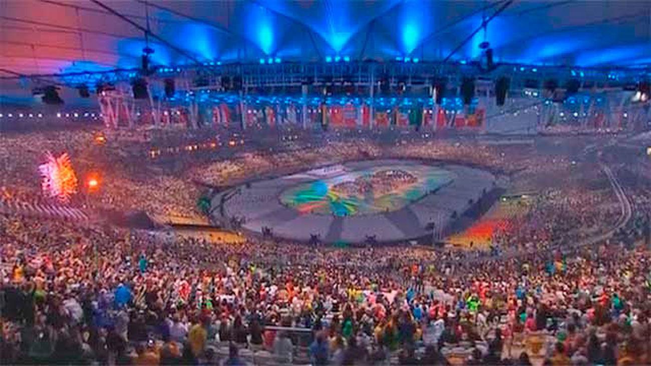 Carnaval y samba en la despedida de Río a los Juegos de 2016