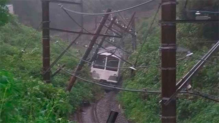 El tifón Mindulle causa 30 heridos y paraliza el transporte a su paso por Tokio