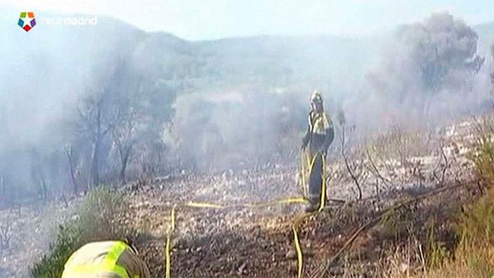 Los bomberos controlan el incendio de Calafell, que ha quemado 11 hectáreas
