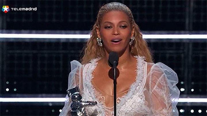 Beyoncé, reina absoluta del pop en los premios MTV