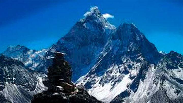 Fallece un alpinista español en una avalancha de piedras en el Himalaya