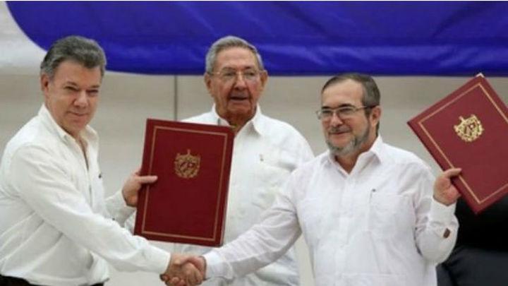Firma solemne del acuerdo de paz con las FARC en Colombia