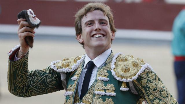 El diestro valenciano Román cortó una oreja a uno de sus toros