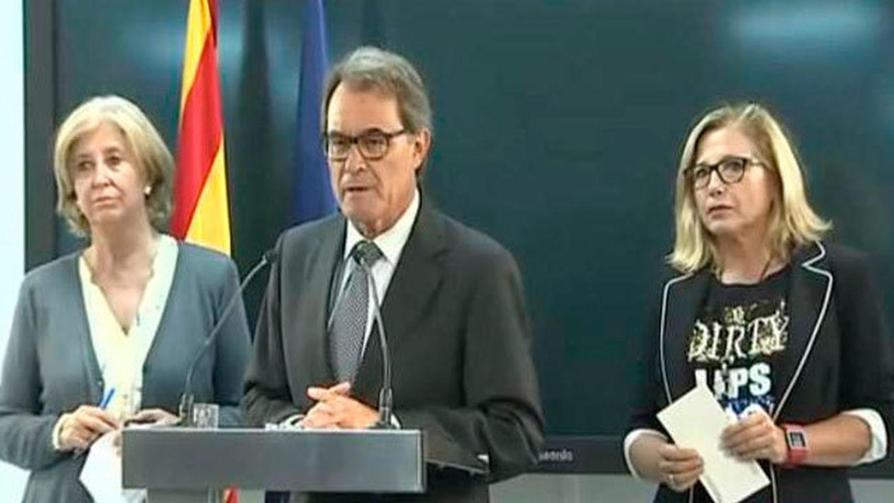 Artur Mas con las exconselleras Joana Ortega e Irene Rigau