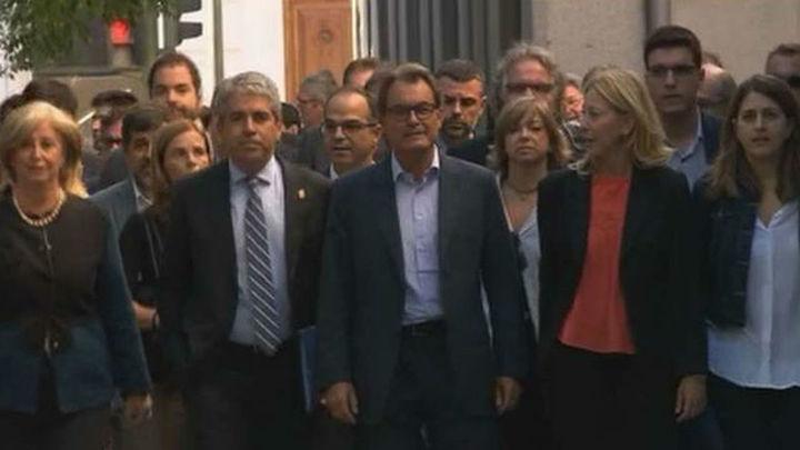 El juez procesa a Mas, Ortega y Rigau por desobediencia y prevaricación
