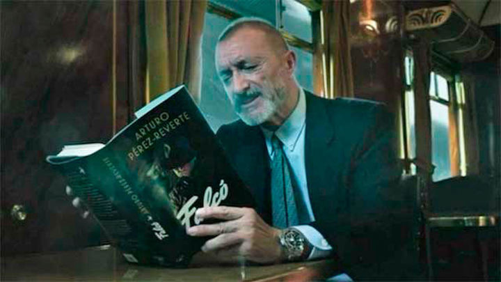 Pérez-Reverte se pasa a la novela de espionaje con 'Falcó'