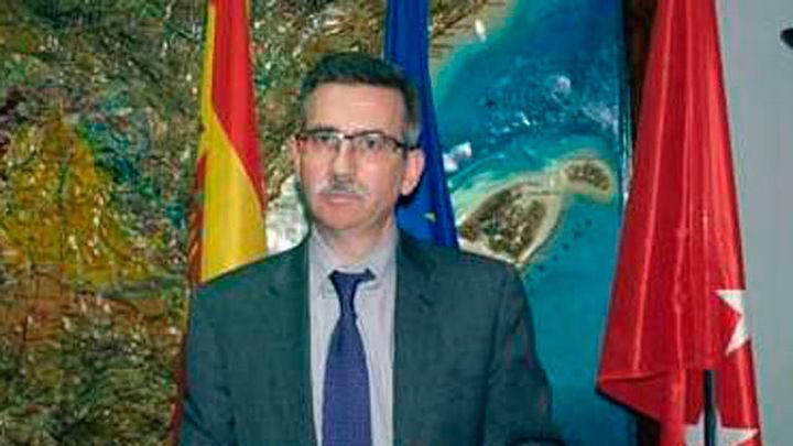 """Cifuentes dice que López Jimeno es una persona inocente y """"no está investigado"""""""