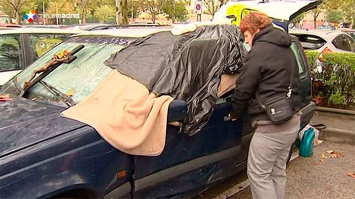 Durmiendo en un coche aparcado en la estación de Fuenlabrada