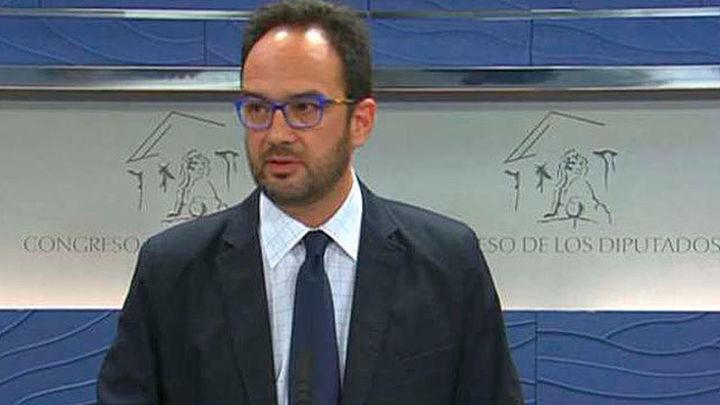 """Hernando avisa por carta a sus diputados: """"No cabe libertad de voto"""""""