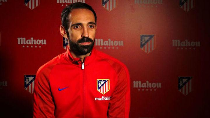 """Juanfran: """"Queremos estar arriba, hay que ganar sí o sí"""""""