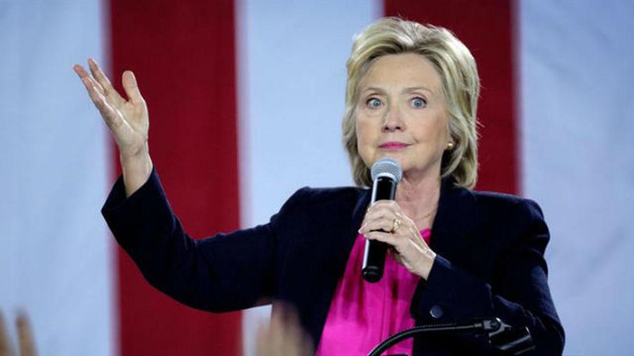 El FBI reabre la investigación sobre los emails privados de Clinton