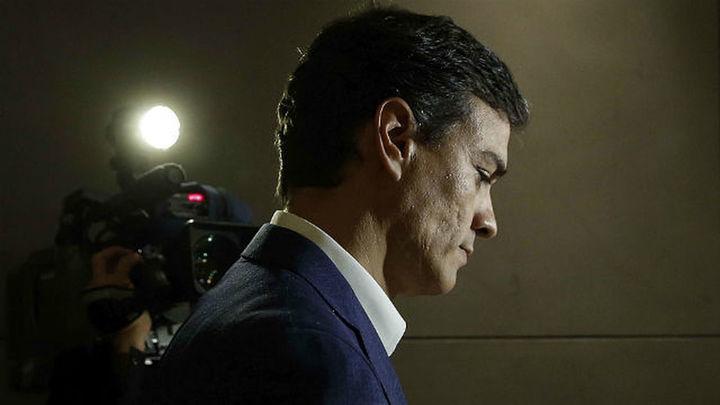 Sánchez deja su escaño en el Congreso y anuncia su candidatura al próximo Congreso del PSOE