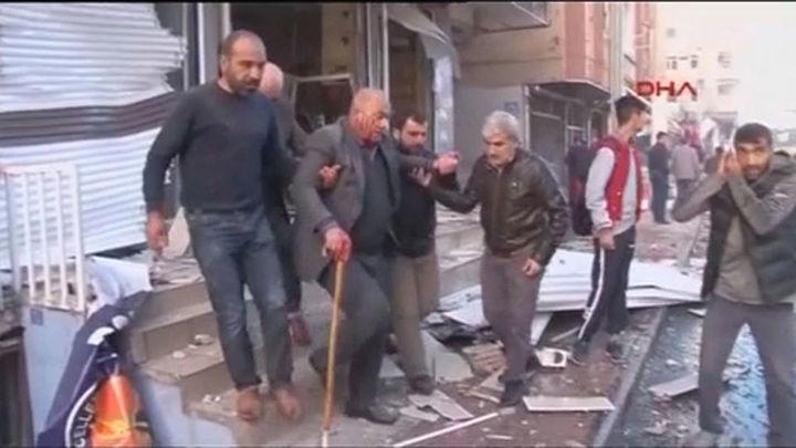 Nueve muertos en un atentado con coche bomba en Turquía